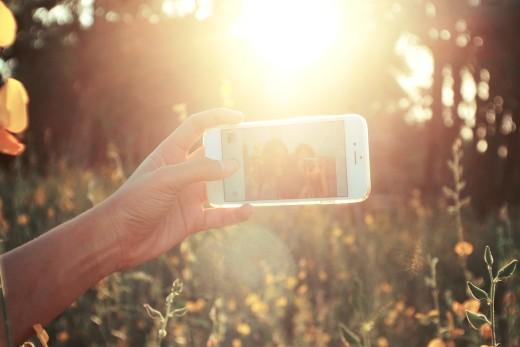 Selfie-Ellbogen und Selfienutzung